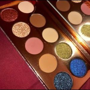 """🎁New Dose Of Colors """"Friendcation"""" Palette🎁"""